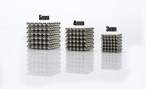 Magnetické guličky rôznych veľkostí